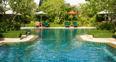 The best landscaping for your pool