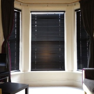 Reasons to Choose Venetian Window Blinds and Understand Their Types